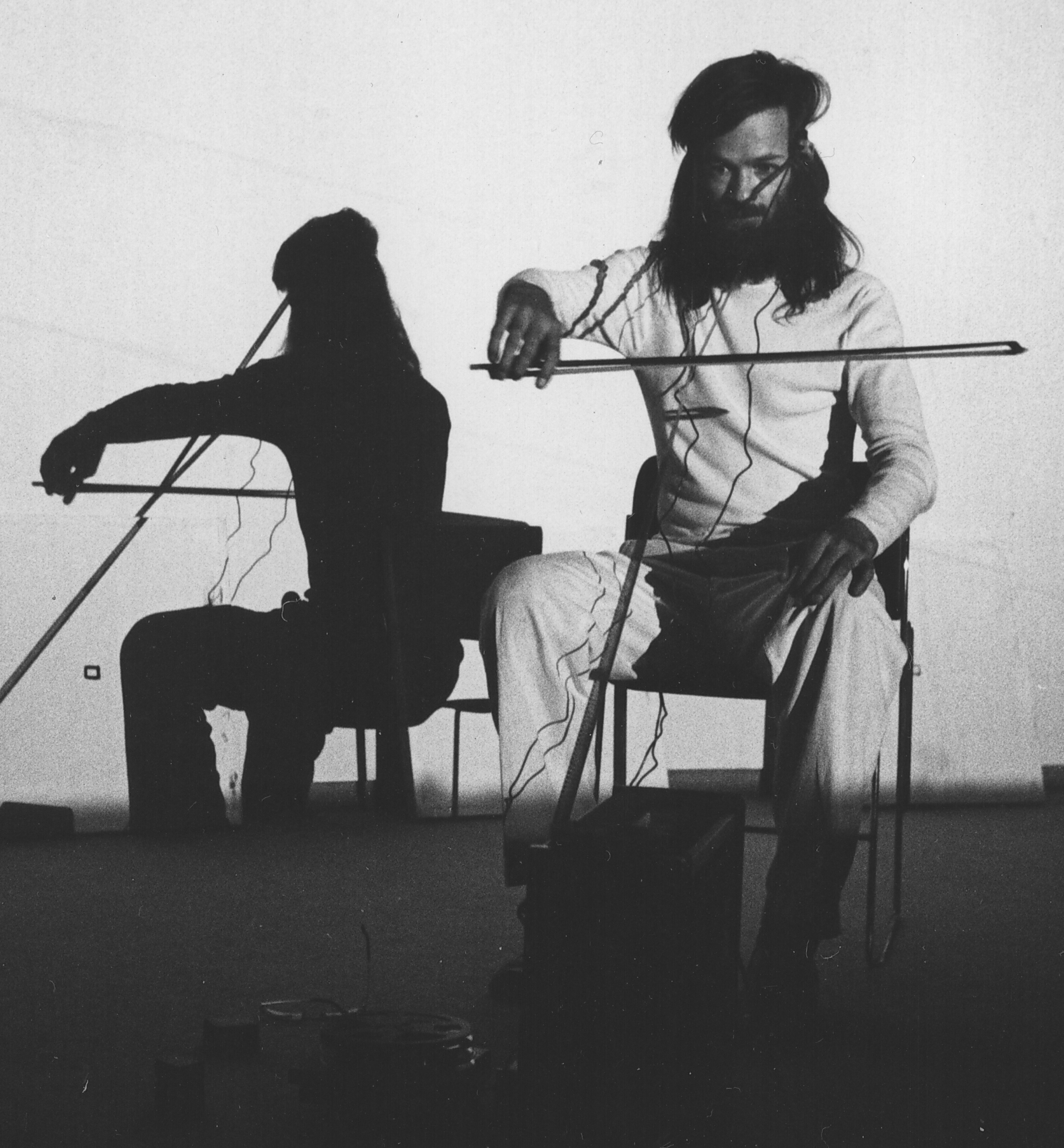 -Tony Conrad_Performance of Bowed Film 1976_by Linda Edelstein-Tony Conrad estate_crop